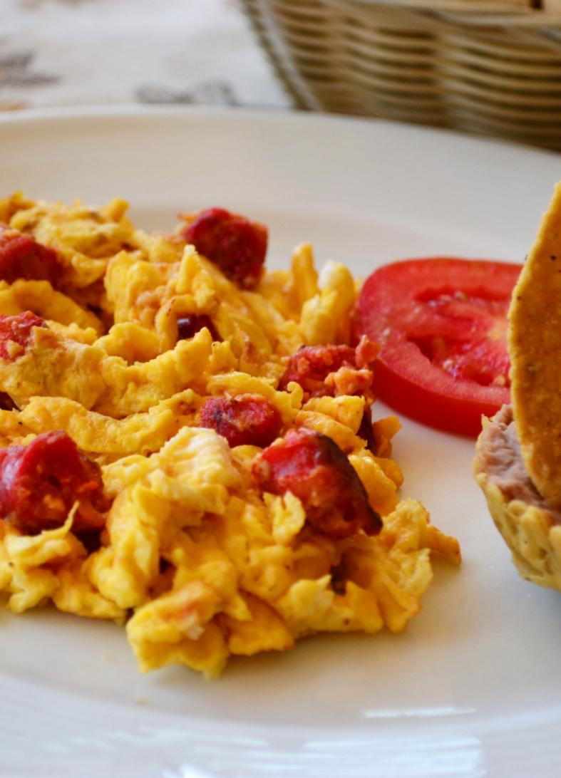 Huevos-con-Chorizo